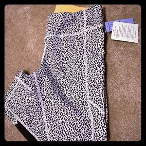 Lulu lemon animal print ( side pockets )